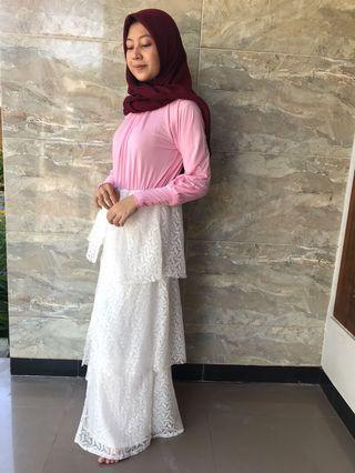 Dress pink tumpuk