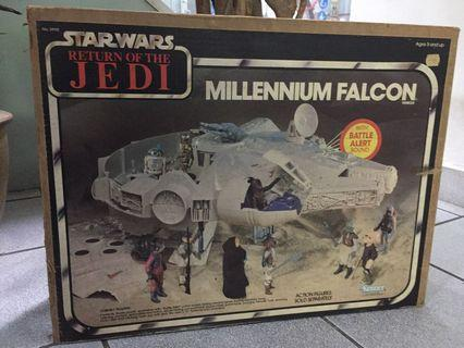 Vintage millennium falcon - missing parts - see all pics and read full listing