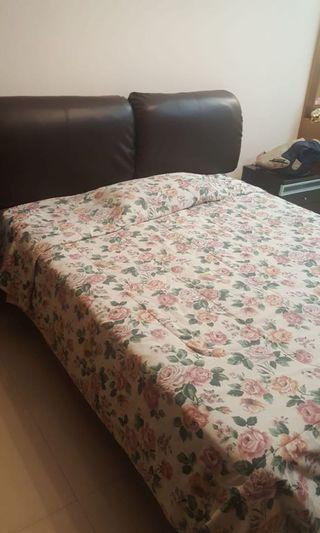 King cal bed in excellent condition