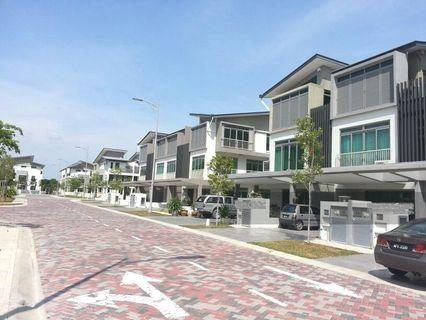 3sty CORNER SuperLink – Apicalia @D'Island Residence, Puchong for ONLY RM972,000 (Market value RM1,200,000)
