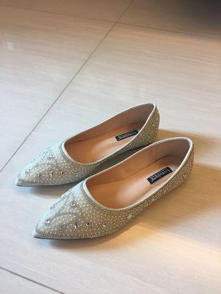 全新真皮閃石平底鞋