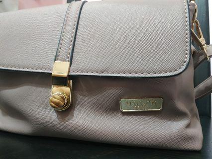 Unisa Shoulder Bag