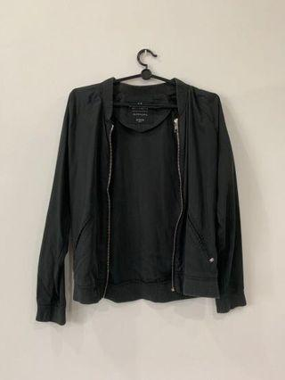 🚚 Black Bomber Jacket