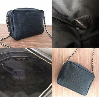 AUTHENTIC💯 CHANEL VIP GIFT camera bag triple CC logo