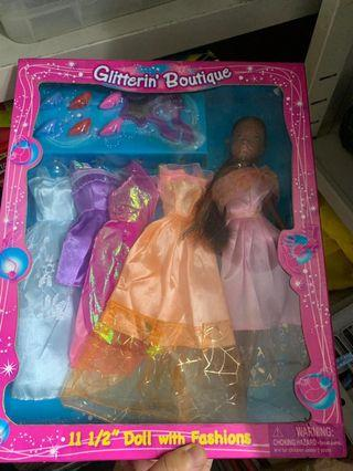 Barbie doll with fashion cloths 芭比公仔連衫
