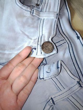 Celana perempuan denim