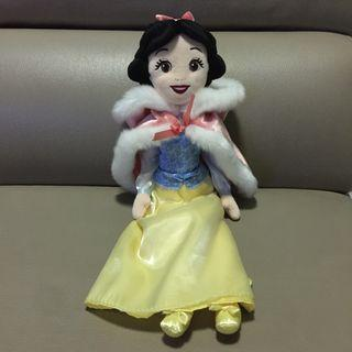 Disney Snow White doll (winter edition)