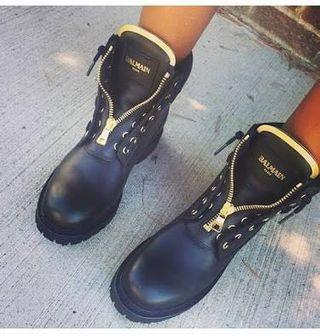 BALMAIN LEATHER BOOTS SIZE 37 - fits a size 6