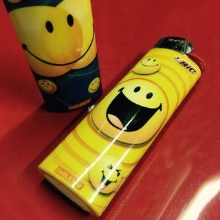 🚚 Smiley Face Happy Lighters French Bic