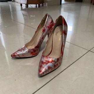 Pointed front Heels