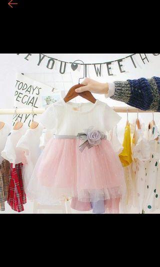 Dress pesta putih pink