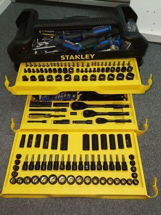 Stanley 235 pc metric/af tool set