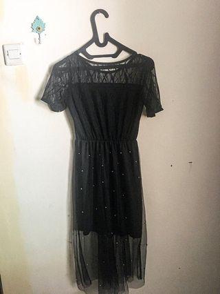 Black Dress Tile Stude