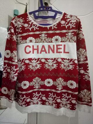 Chanel Sweater Merah