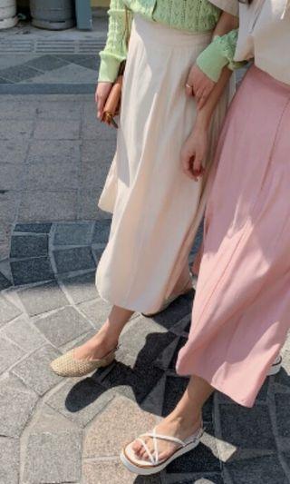 🚚 後鬆緊珍珠光澤感垂墜薄款長裙(米白)