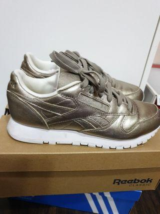 Reebok classic melted metal women