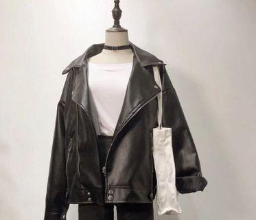 🚚 黑色夾棉帥氣大翻領機車外套寬鬆男友風皮外套騎士外套