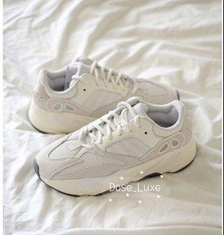 🚚 Adidas Yeezy 700 analog 米白灰
