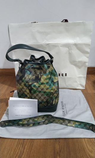 Masari loup noir Bucket bag Small Cheval Camouflage