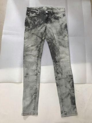Grey jeans牛仔褲