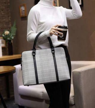 Women's Briefcase 2019 New Fashion OL Workplace Handbag Large Capacity Big Bag Business Professional Women's Bag