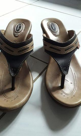 Wedges carvil size 36
