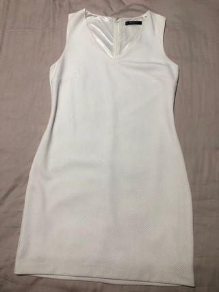 🚚 Mango Basic off white dress