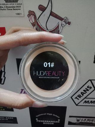 Huda Beauty Concealer