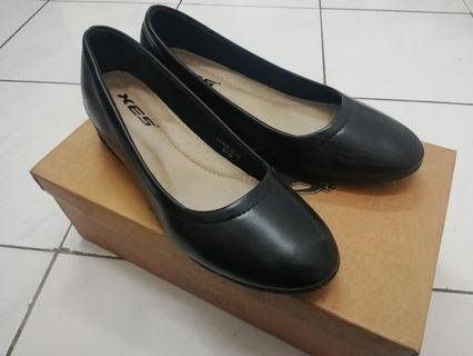 Xes Leather Black Shoes