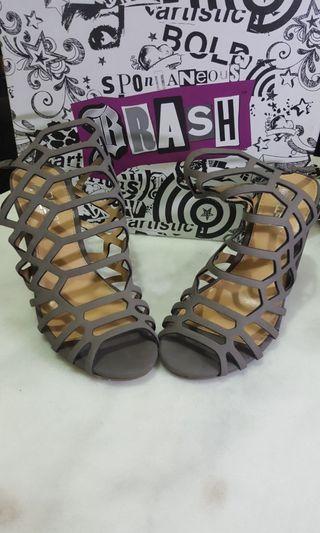 Sepatu heels model ala2 steve madden