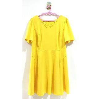 🚚 🐰里歐安琪🐰伊蕾歐薇❤️瑕疵品出清 繽紛夏季鵝黃色立體幾何造型修身短袖短洋裝 連身裙 合身裙