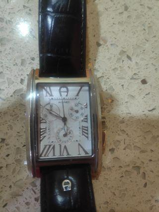 Aigner A24100 watch