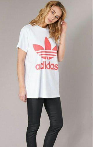 Adidas 寬鬆大logo長身衫
