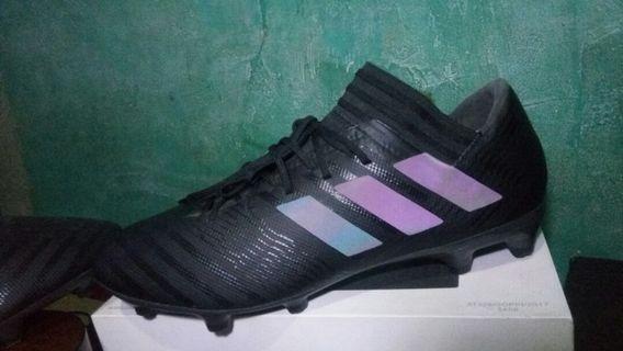 Sepatu bola adidas nemeziz 17.3 FG Original