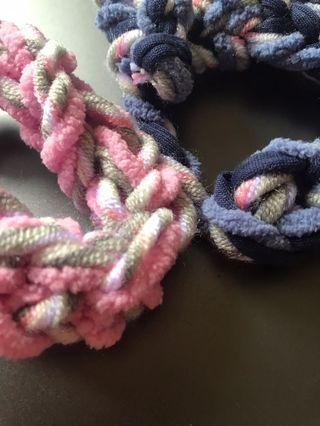 Basic yarn bracelet lesson