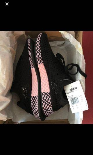 Women Adidas Originals Deerupt Core Black and Pink