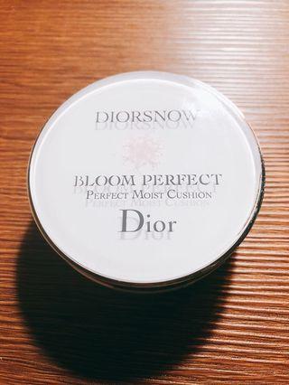 🚚 Dior 雪精靈 氣墊粉餅外盒 不含粉撲粉芯