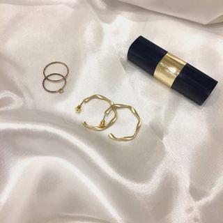 🚚 磨砂金色耳環