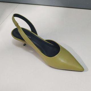 Woman's shoes Urban Revivo