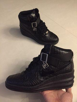 🚚 Nike Air Force 1 high heels woman
