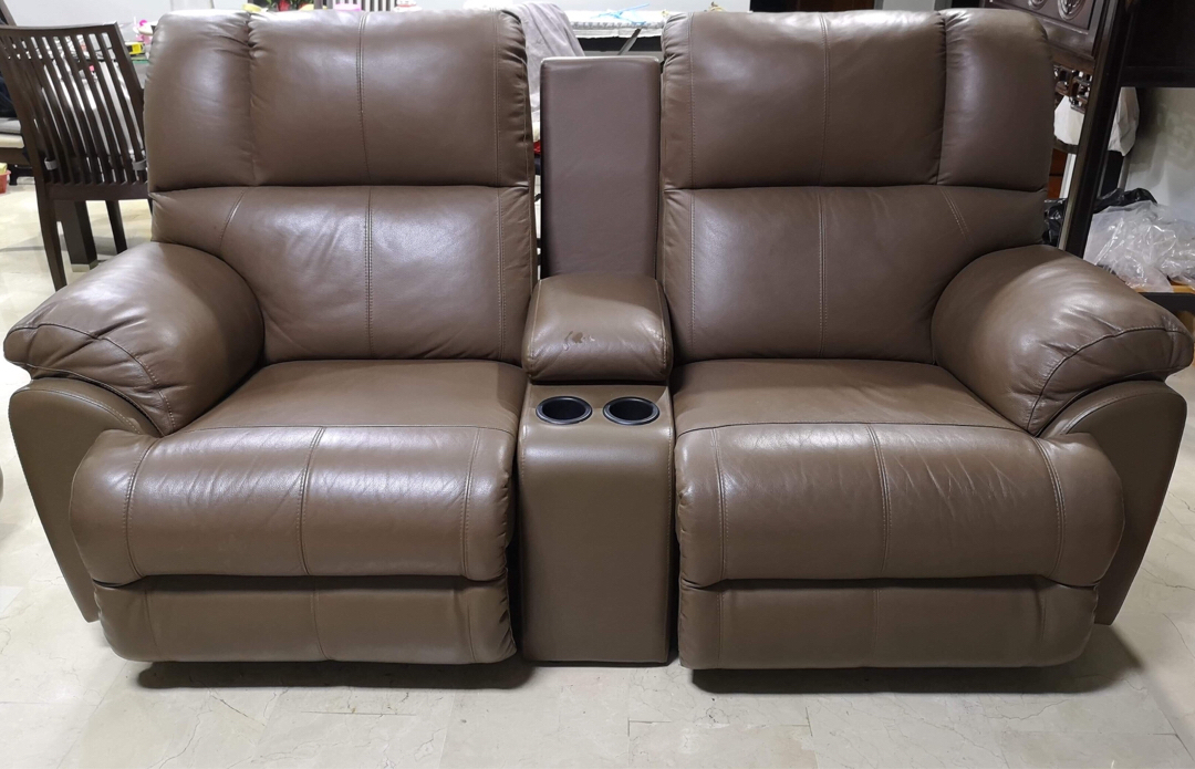 2 Seater Leather Recliner Sofa With Cup Holder Unit