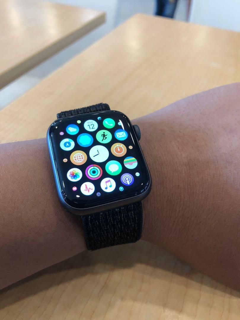 Apple Watch series 4 44mm nike plus  siapa cepat dia dapat!!