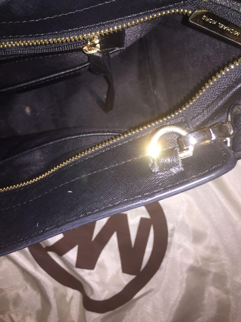 Authentic MK Selma large Michael kors cross body handbag