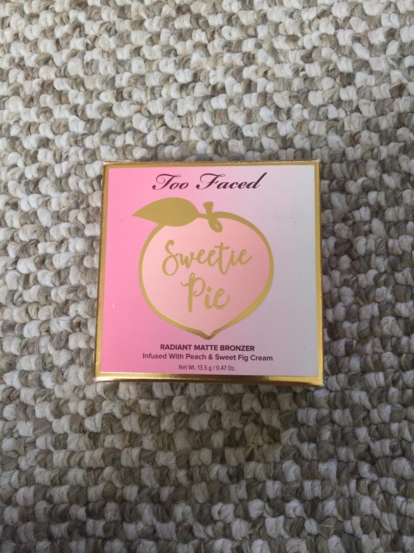 BNIB too faced sweetie pie bronzer/highlighter/blush