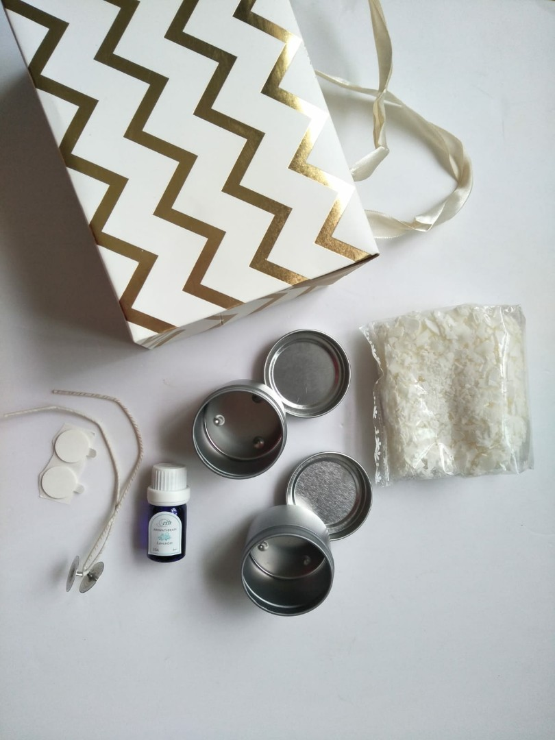 Candle making set (soy wax with lavender scent)