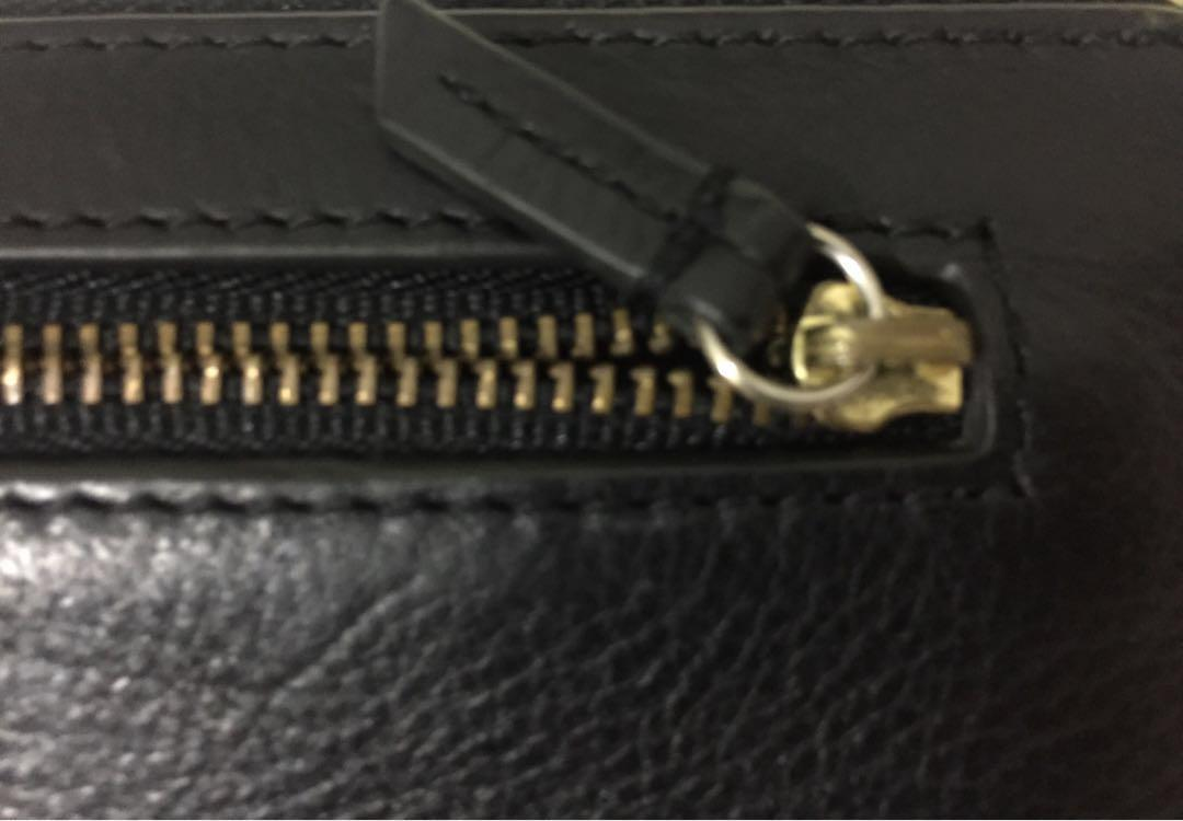 FOSSIL auth (reprice)
