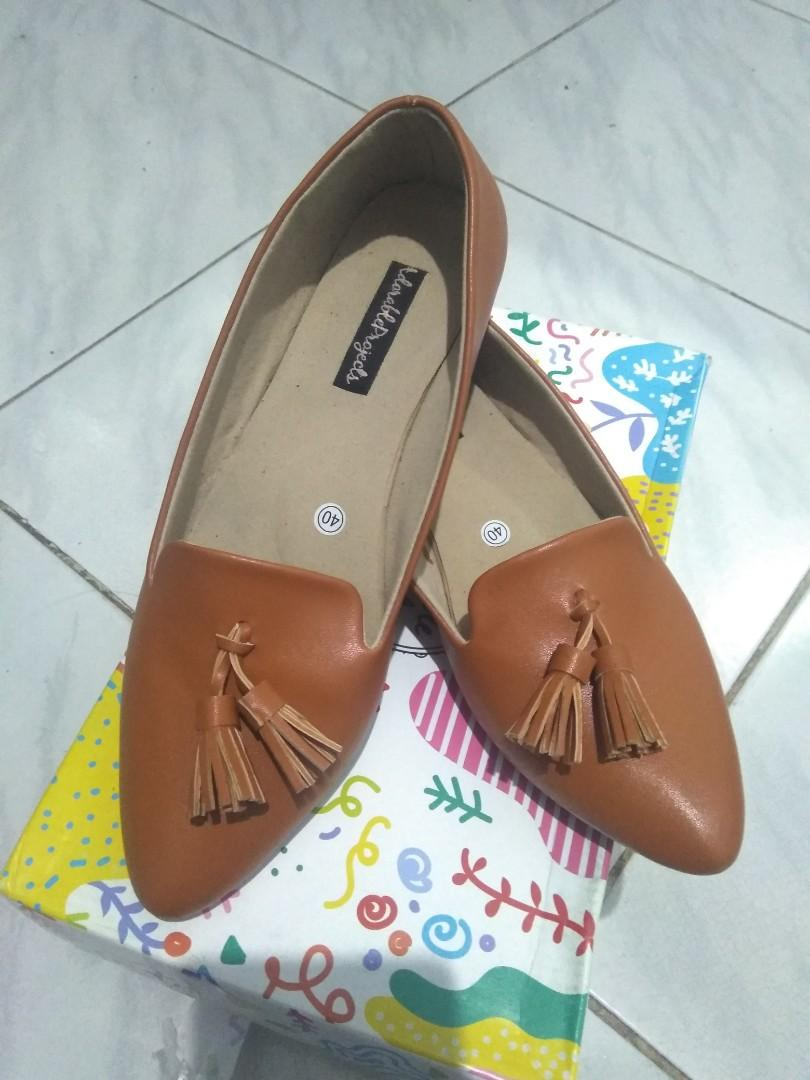 Adorable projects Herzise Tan flatshoes