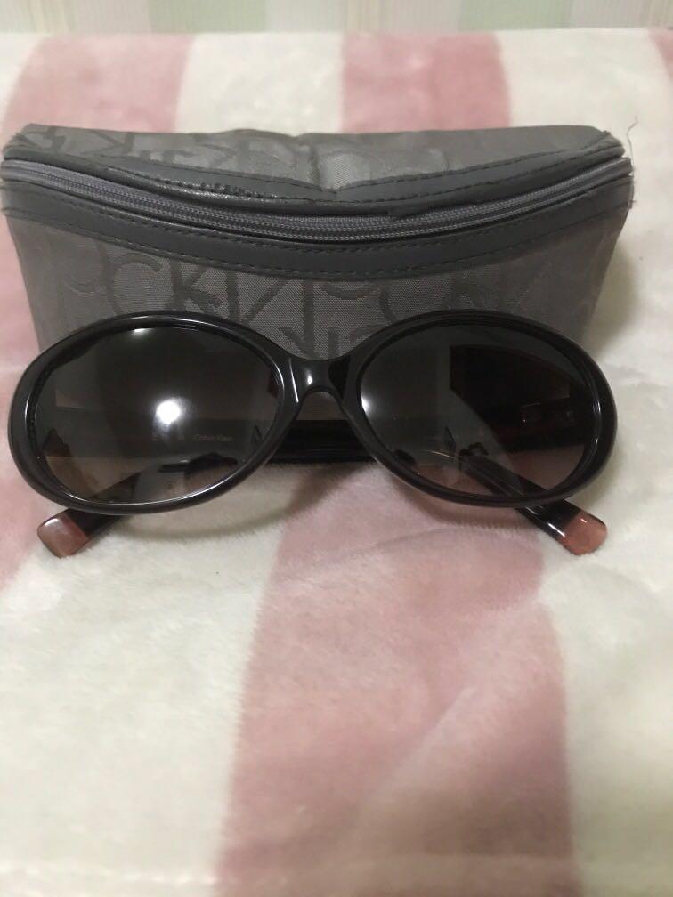 Kacamata Calvin Klein