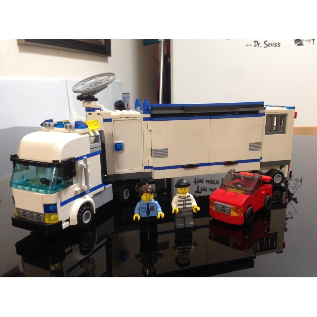Lego Mobile Police Unit (7288) + Helicopter (7741)