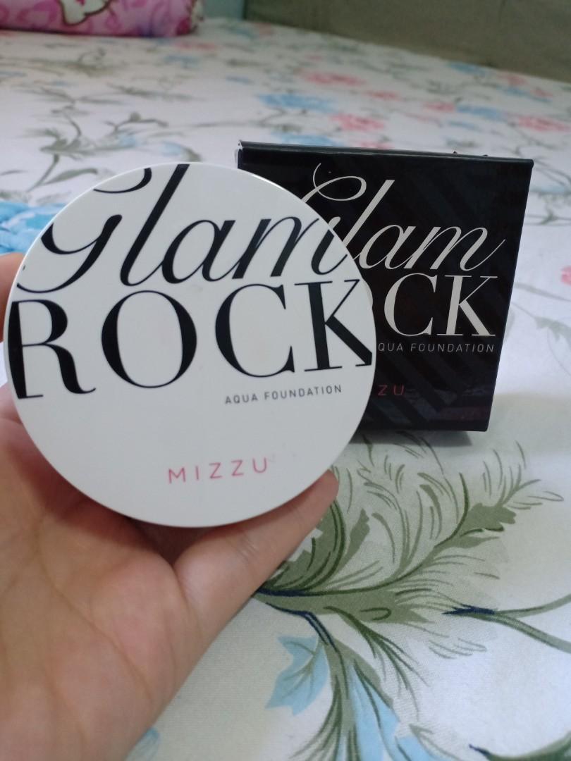 Mizzy glam rock aqua cushion